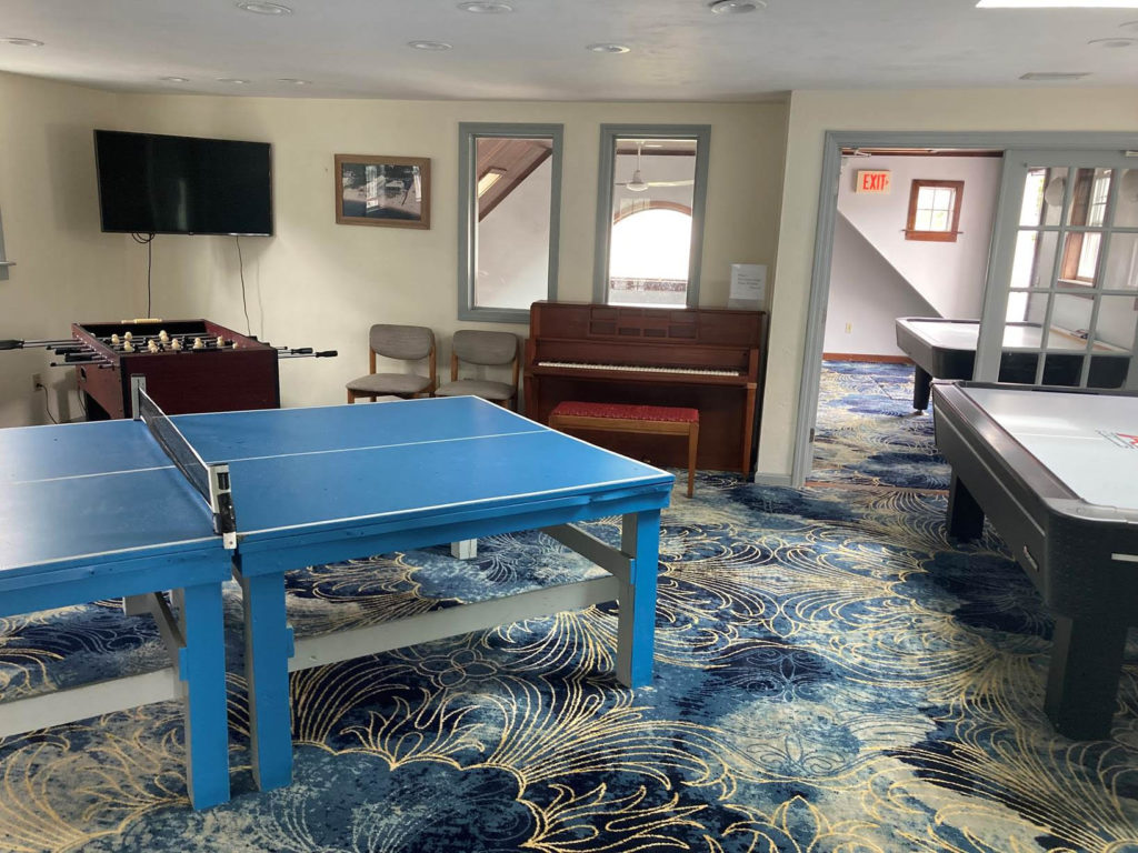Ocean Front Hotel Game Room Amenities - Table Tennis - Ping Pong